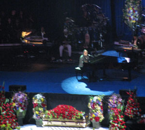 Stevie Wonder gave a heartfelt performance that brought us to tears
