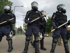 riot-police_9-2-08