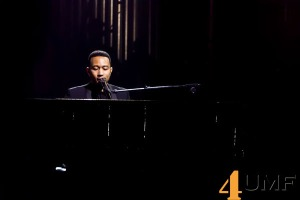 Yahoo-On-The-Road-With-John-Legend